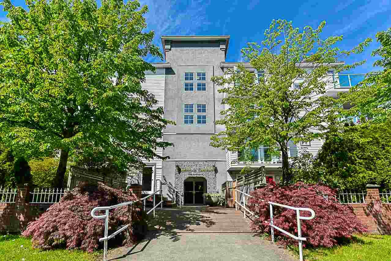 "Main Photo: 105 2983 CAMBRIDGE Street in Port Coquitlam: Glenwood PQ Condo for sale in ""CAMBRIDGE GARDENS"" : MLS®# R2266936"