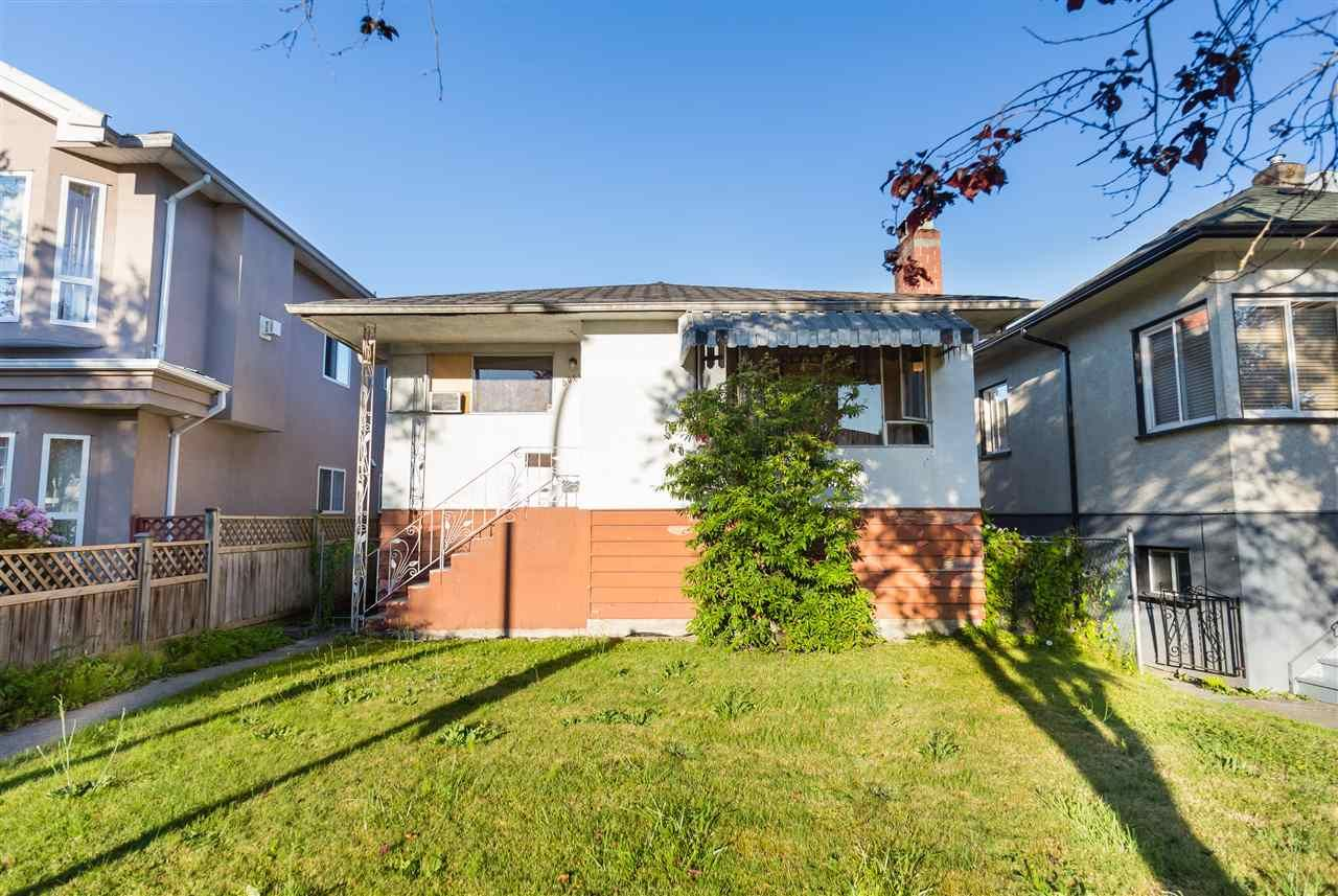 Main Photo: 5064 GLADSTONE Street in Vancouver: Victoria VE House for sale (Vancouver East)  : MLS®# R2186018