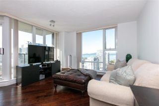 """Photo 3: 3002 583 BEACH Crescent in Vancouver: Yaletown Condo for sale in """"PARK WEST II"""" (Vancouver West)  : MLS®# R2593385"""