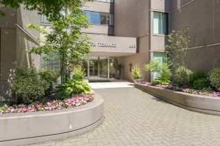 "Photo 1: 62 1425 LAMEY'S MILL Road in Vancouver: False Creek Condo for sale in ""HARBOUR TERRACE"" (Vancouver West)  : MLS®# R2182200"