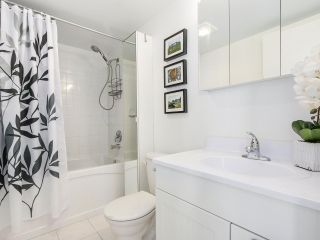 "Photo 13: 306 1425 CYPRESS Street in Vancouver: Kitsilano Condo for sale in ""Cypress West"" (Vancouver West)  : MLS®# R2183416"