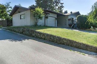Photo 1: 23406 TAMARACK Lane in Maple Ridge: Albion House for sale : MLS®# R2111235
