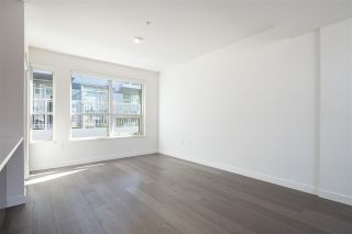 """Photo 3: 5209 CAMBIE Street in Vancouver: Cambie Townhouse for sale in """"Contessa"""" (Vancouver West)  : MLS®# R2552513"""