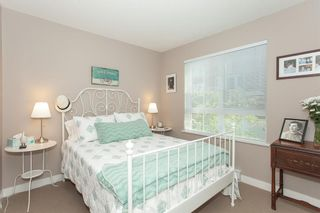 Photo 15: 202 2940 KING GEORGE BOULEVARD in South Surrey White Rock: King George Corridor Home for sale ()  : MLS®# R2314708