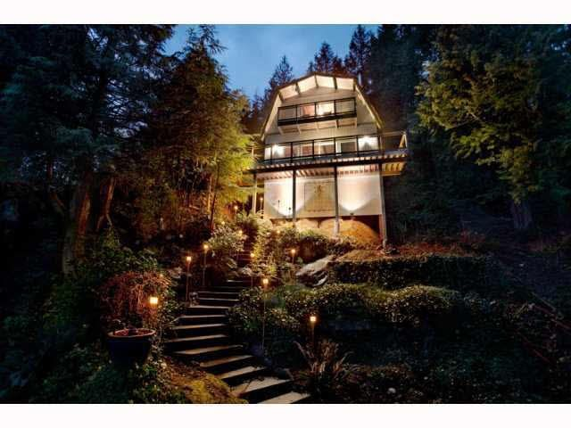FEATURED LISTING: 2937 PANORAMA Drive North Vancouver