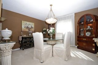 Photo 8: Executive 4 Bedroom Greenpark Home in sought after North Whitby Fallingbrook