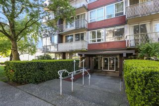 """Photo 3: 708 1100 HARWOOD Street in Vancouver: West End VW Condo for sale in """"Martinique"""" (Vancouver West)  : MLS®# R2583773"""
