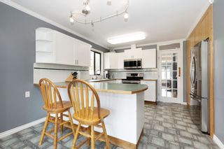"""Photo 10: 1182 ESPERANZA Drive in Coquitlam: New Horizons House for sale in """"NEW HORIZONS"""" : MLS®# R2555181"""