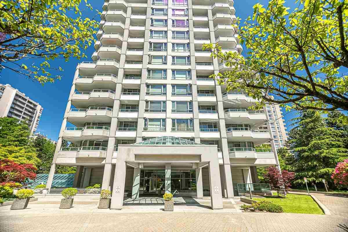 Main Photo: 1910 4825 HAZEL Street in Burnaby: Forest Glen BS Condo for sale (Burnaby South)  : MLS®# R2587226