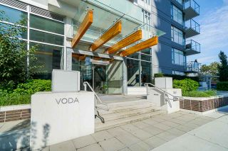 """Photo 2: 413 1661 QUEBEC Street in Vancouver: Mount Pleasant VE Condo for sale in """"Voda"""" (Vancouver East)  : MLS®# R2408095"""