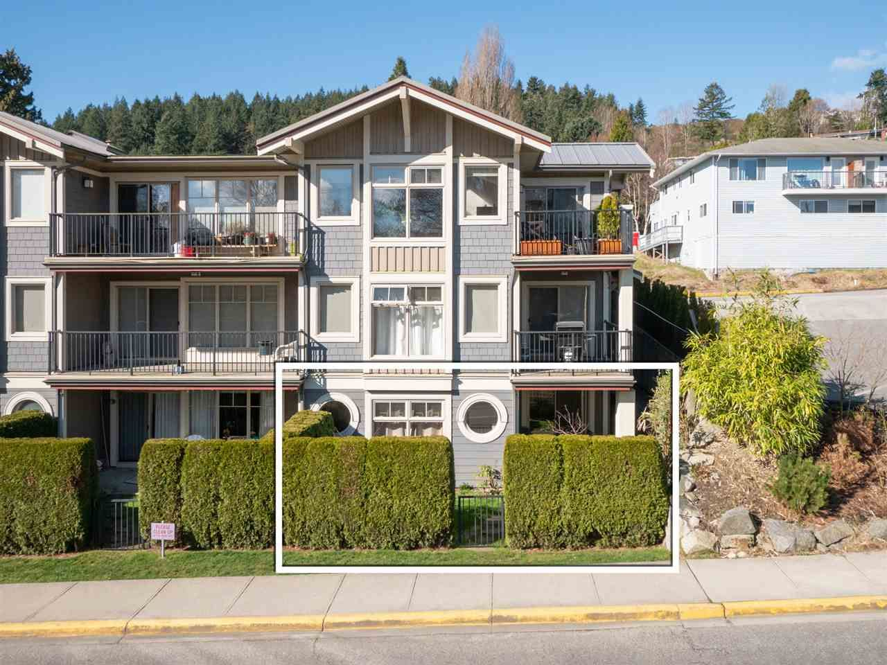 Main Photo: 103 414 GOWER POINT Road in Gibsons: Gibsons & Area Condo for sale (Sunshine Coast)  : MLS®# R2553406