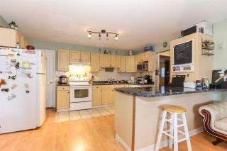 Photo 12: 8060 BLUEBELL Street in Mission: Mission BC House for sale : MLS®# R2376740