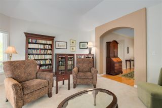 """Photo 7: 11 1881 144 Street in Surrey: Sunnyside Park Surrey Townhouse for sale in """"Brambley Hedge"""" (South Surrey White Rock)  : MLS®# R2480598"""