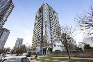 "Photo 1: 1802 638 BEACH Crescent in Vancouver: Yaletown Condo for sale in ""Icon"" (Vancouver West)  : MLS®# R2538936"