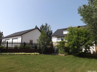 Photo 2: 606 Cherry Avenue in Roche Percee: Residential for sale : MLS®# SK863833