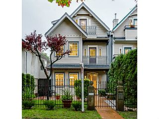 Photo 2: 1538 E 10TH Avenue in Vancouver: Grandview VE 1/2 Duplex for sale (Vancouver East)  : MLS®# V1092394