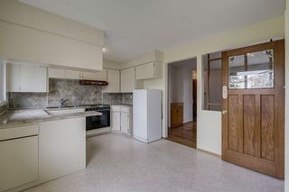 Photo 6: 340 HUNTERBROOK Place NW in Calgary: Huntington Hills Detached for sale : MLS®# C4300148