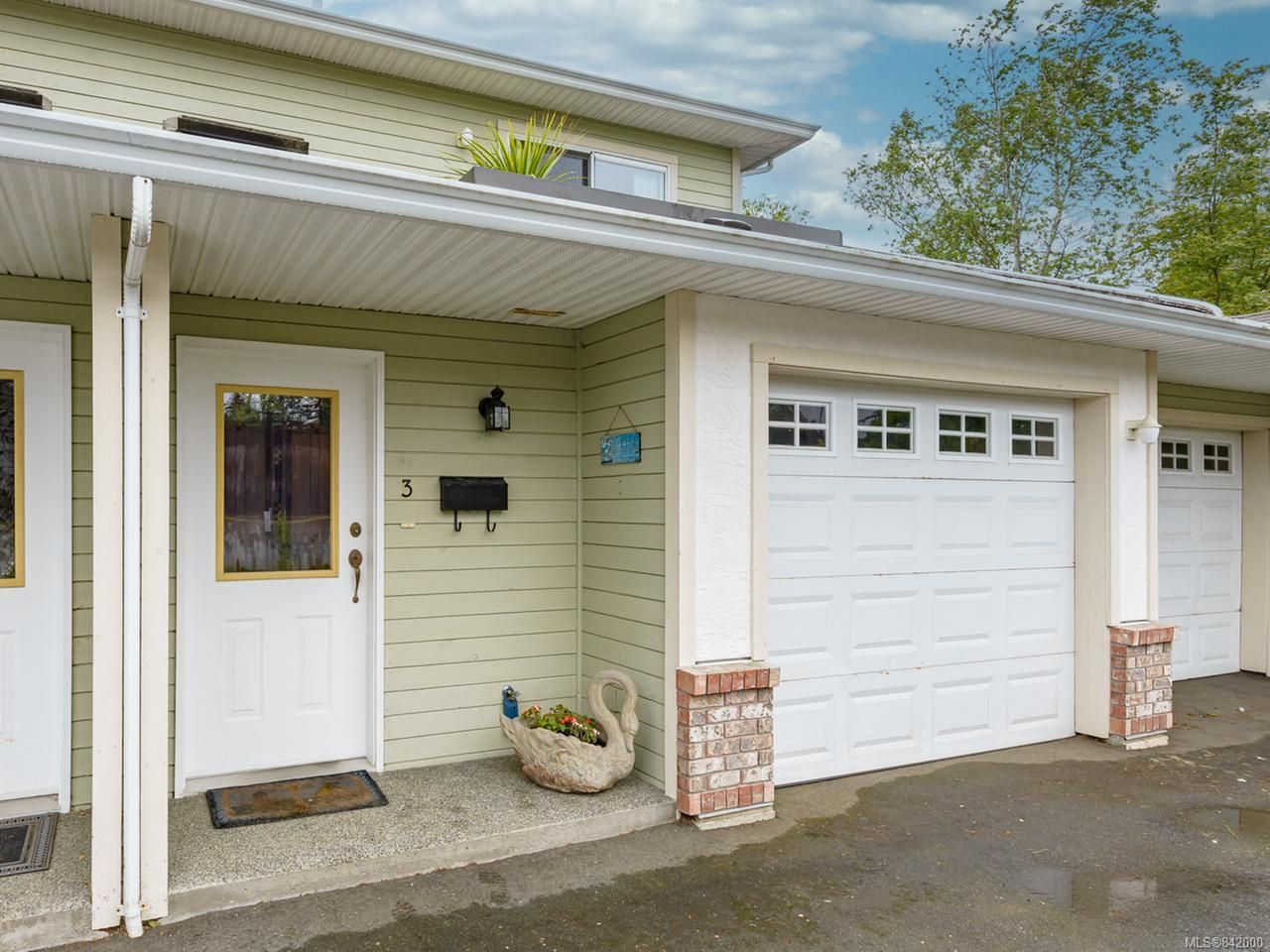 Main Photo: 3 163 Stewart St in COMOX: CV Comox (Town of) Row/Townhouse for sale (Comox Valley)  : MLS®# 842000