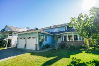 Photo 2: 9062 156A Street in Surrey: Fleetwood Tynehead House for sale : MLS®# R2487642