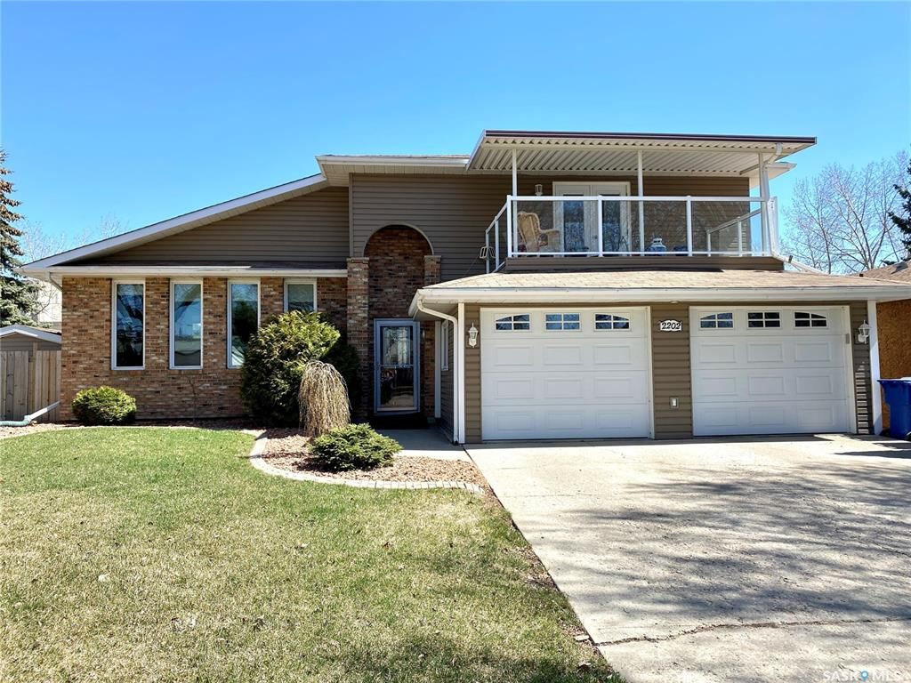 Main Photo: 2202 95th Street in North Battleford: Residential for sale : MLS®# SK845056