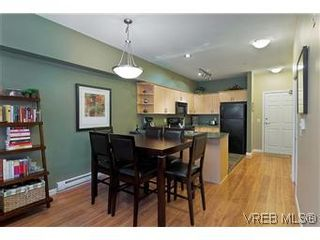 Photo 3: 102 360 Goldstream Ave in VICTORIA: Co Colwood Corners Condo for sale (Colwood)  : MLS®# 560651