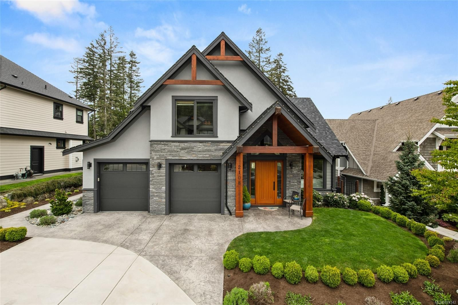 Main Photo: 2108 Champions Way in : La Bear Mountain House for sale (Langford)  : MLS®# 874142