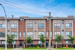 """Main Photo: 2 19624 56 Avenue in Langley: Langley City Townhouse for sale in """"WINSTON TERRACES"""" : MLS®# R2626622"""