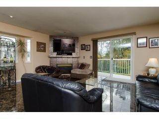Photo 8: 19916 FAIRFIELD Avenue in Pitt Meadows: South Meadows House for sale : MLS®# R2010942