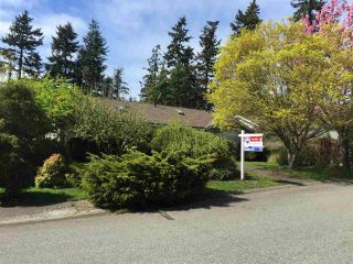 """Photo 2: 1841 128A Street in Surrey: Crescent Bch Ocean Pk. House for sale in """"OCEAN PARK"""" (South Surrey White Rock)  : MLS®# R2059471"""