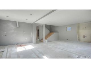 Photo 9: 919 Nel Hamerton Pl in VICTORIA: La Florence Lake House for sale (Langford)  : MLS®# 676749