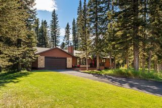 Photo 2: 4 Manyhorses Gardens: Bragg Creek Detached for sale : MLS®# A1069836