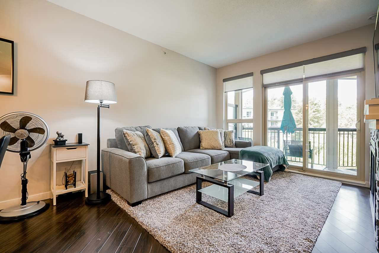 """Photo 9: Photos: 418 1150 KENSAL Place in Coquitlam: New Horizons Condo for sale in """"THOMAS HOUSE BY POLYGON"""" : MLS®# R2453457"""