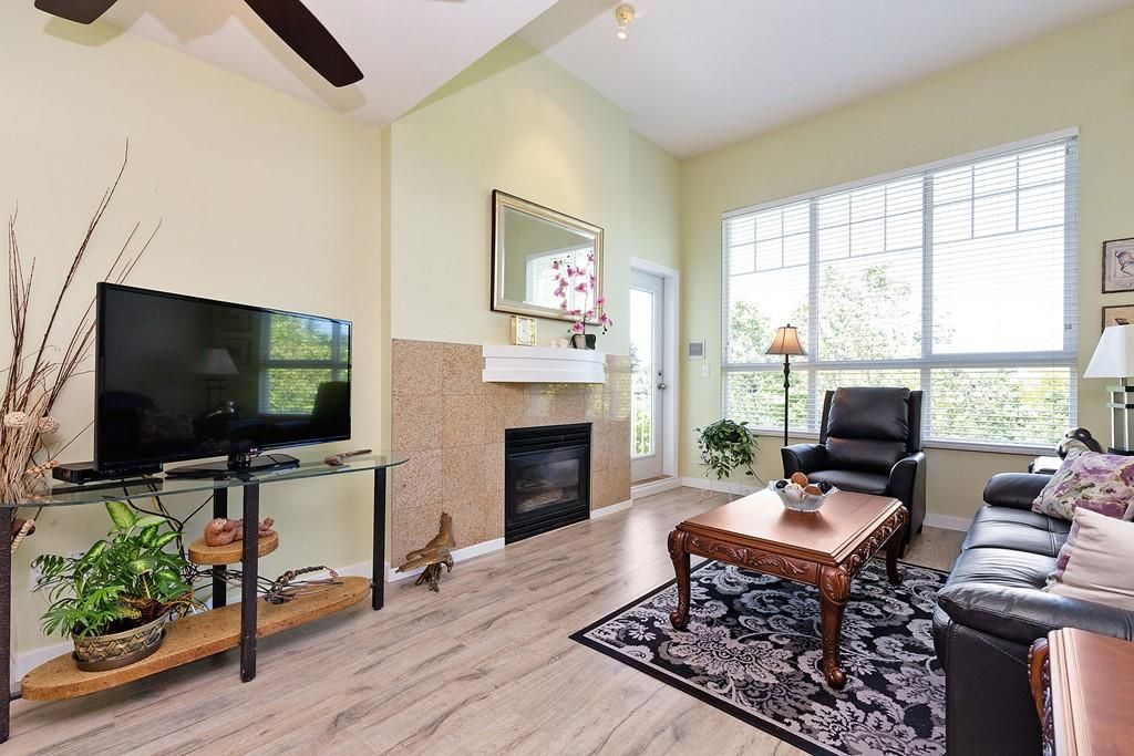 """Main Photo: 405 10188 155 Street in Surrey: Guildford Condo for sale in """"The Sommerset"""" (North Surrey)  : MLS®# R2379338"""
