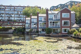 Photo 17: 1523 MARINER WALK in Vancouver: False Creek Townhouse for sale (Vancouver West)  : MLS®# R2367455