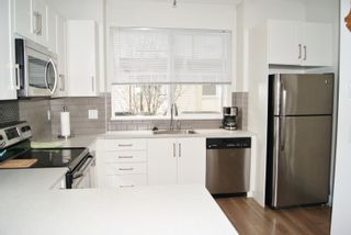 """Photo 5: 30 19477 72A Avenue in Surrey: Clayton Townhouse for sale in """"SUN at 72"""" (Cloverdale)  : MLS®# R2150537"""