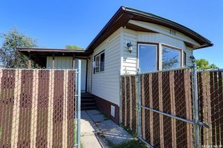 Photo 1: 136 Eastview Trailer Court in Prince Albert: South Industrial Residential for sale : MLS®# SK859935