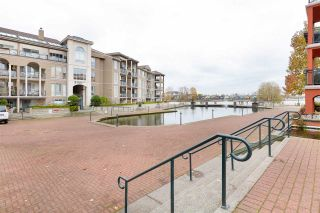 "Photo 37: 214 2 RENAISSANCE Square in New Westminster: Quay Condo for sale in ""The Lido"" : MLS®# R2531419"