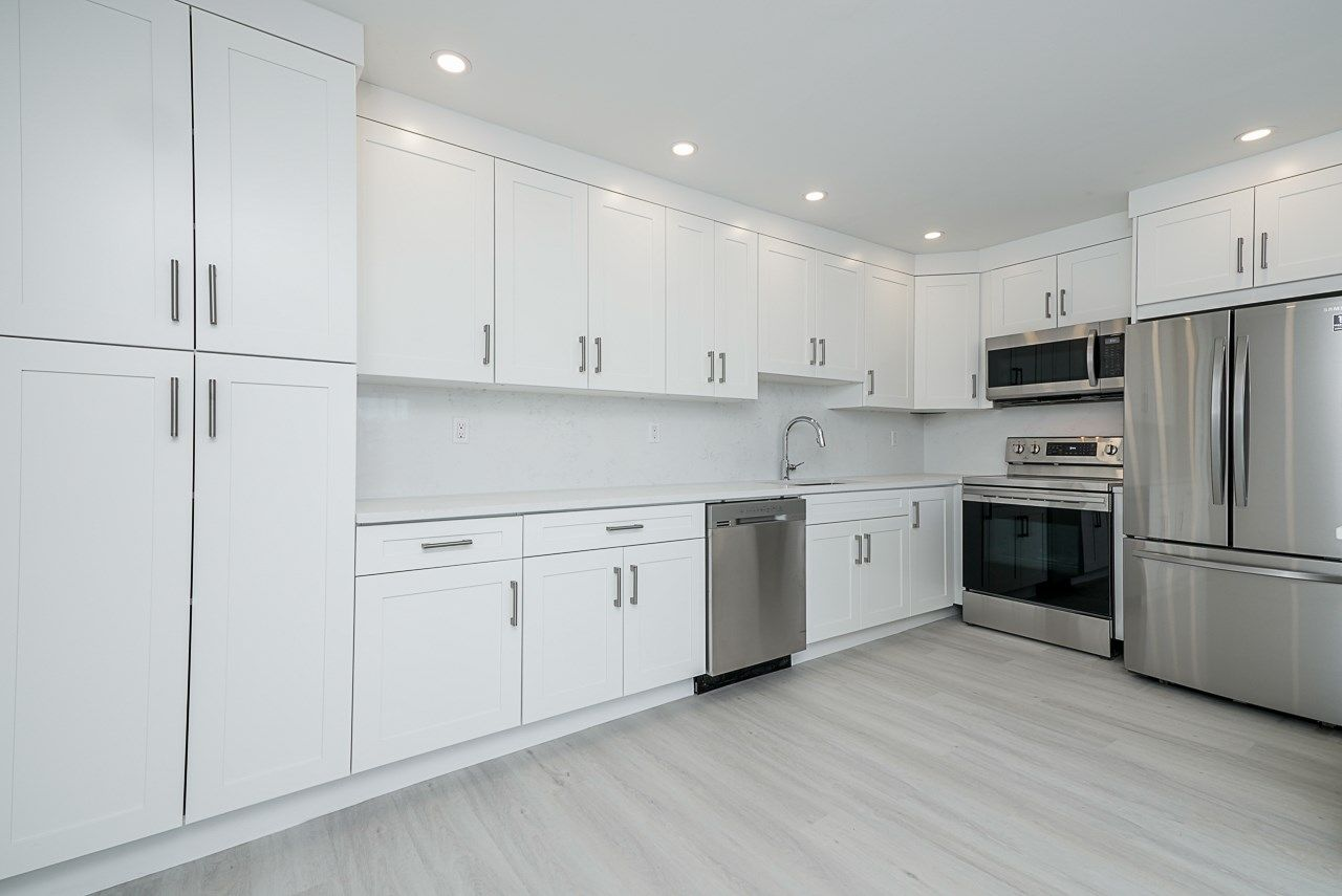 """Main Photo: 123 1202 LONDON Street in New Westminster: West End NW Condo for sale in """"LONDON PLACE"""" : MLS®# R2581283"""