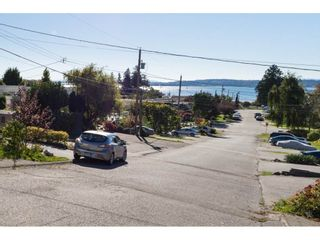 Photo 15: 952 PARKER Street: White Rock House for sale (South Surrey White Rock)  : MLS®# R2114907