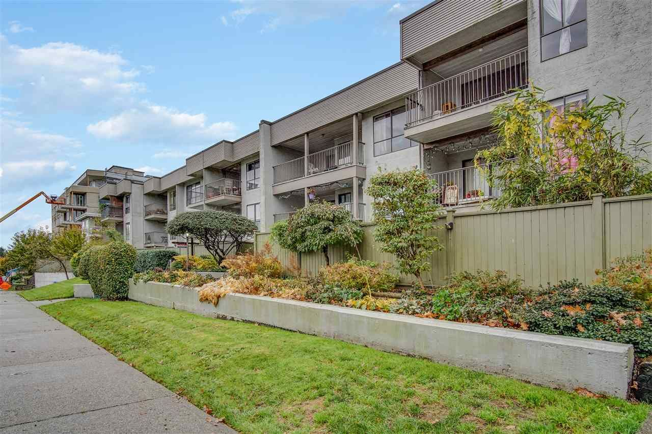 "Main Photo: 308 808 E 8TH Avenue in Vancouver: Mount Pleasant VE Condo for sale in ""Prince Albert Court"" (Vancouver East)  : MLS®# R2515725"