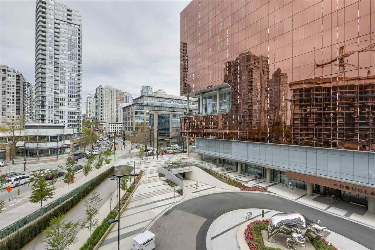 Main Photo: 521 68 Smithe Street in Vancouver: Yaletown Condo for sale (Vancouver West)  : MLS®# R2485531