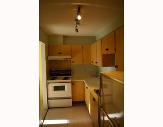 """Photo 5: 302 1875 W 8TH Avenue in Vancouver: Kitsilano Condo for sale in """"THE WESTERLY"""" (Vancouver West)  : MLS®# V761961"""