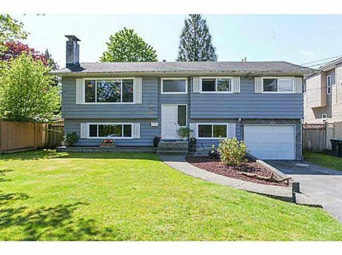 Main Photo: 818 ESSEX Avenue in Port Coquitlam: Lincoln Park PQ House for sale : MLS®# R2478115
