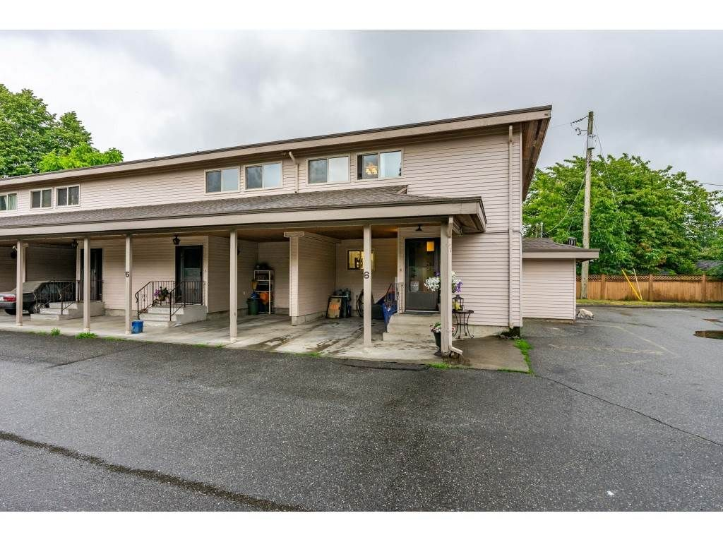 "Main Photo: 6 33918 MAYFAIR Avenue in Abbotsford: Central Abbotsford Townhouse for sale in ""Clover Place"" : MLS®# R2385034"