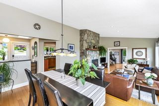 Photo 6: 2284 Lynne Lane in Central Saanich: CS Keating House for sale : MLS®# 843546