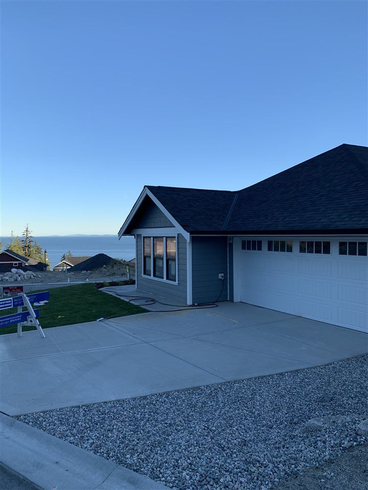 """Main Photo: Photos: 6075 KINGBIRD Avenue in Sechelt: Sechelt District House for sale in """"SilverStone Heights Phase2"""" (Sunshine Coast)  : MLS®# R2466331"""