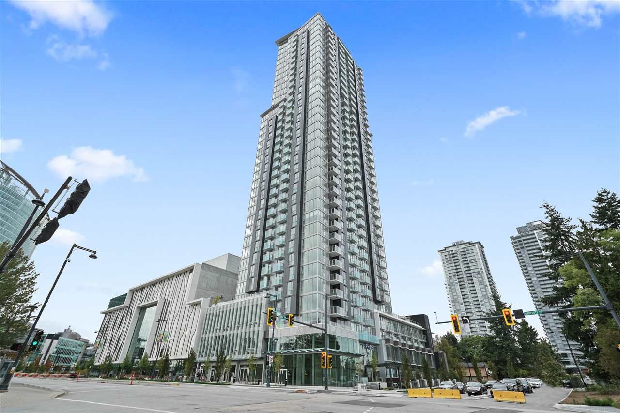 """Main Photo: 2411 13438 CENTRAL Avenue in Surrey: Whalley Condo for sale in """"Prime on the Plaza"""" (North Surrey)  : MLS®# R2572407"""