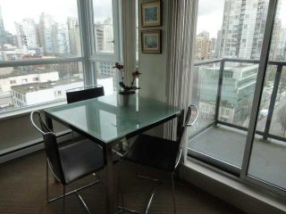 "Photo 5: 1202 1212 HOWE Street in Vancouver: Downtown VW Condo for sale in ""1212 HOWE"" (Vancouver West)  : MLS®# V941923"