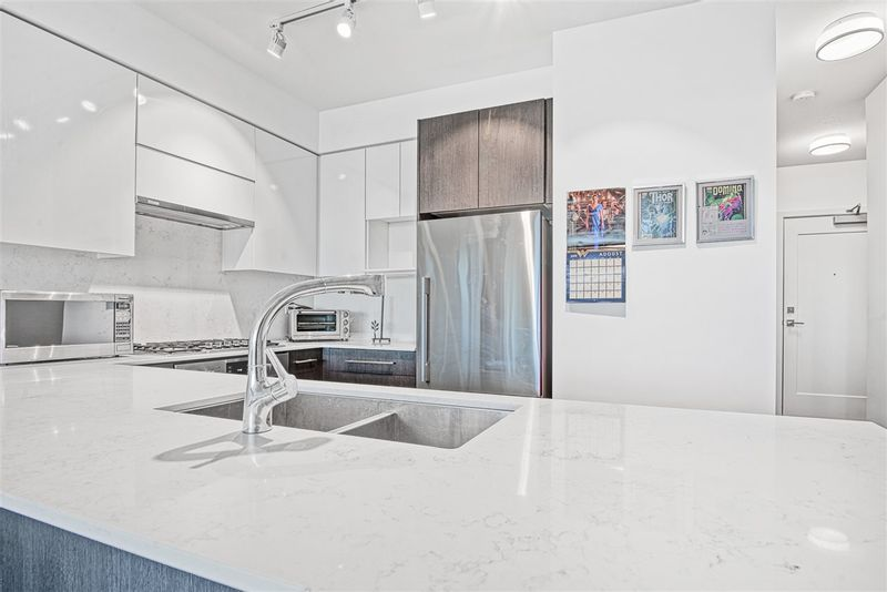 FEATURED LISTING: 409 - 3971 HASTINGS Street Burnaby