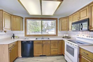 Photo 3: 7428 Silver Hill Road NW in Calgary: Silver Springs Detached for sale : MLS®# A1107794